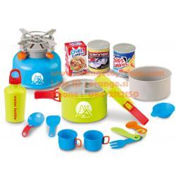 ชุดเดินป่า ชุดครัว 15 ชิ้น Berry Toys Little Explorer 15-Piece Camping Cooker Play Set