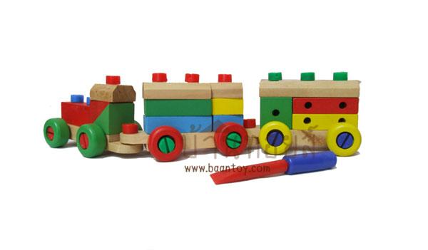 รถไฟไม้ บล็อกไม้ต่อประกอบ พร้อมเครื่องมือช่างประกอบรถไฟ มีอุปกรณ์สำหรับไขน๊อตครบชุด (ตัวน็อตและไขควงเป็นพลาสติก) สีสันสดใส เด็กๆสามารถถอดมาต่อประกอบเองได้ทั้งคัน