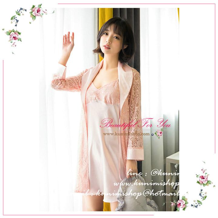SP088 ชุดนอนกระโปรง สีชมพู สวยหวาน สไตล์คุณหนู มาพร้อมเสื้อคลุมคอปกผ้าลูไม้สวยไฮโซ ชุดนอนเสื้อสายเดี่ยวปรับขนาดได้ งานสวยมากคะ