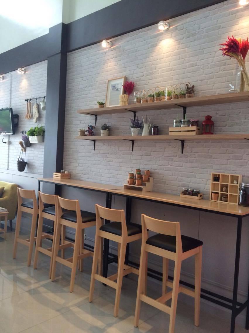 โต๊ะบาร์ไม้ ขาเหล็กสีดำ สำหรับร้านกาแฟ ร้านอาหาร