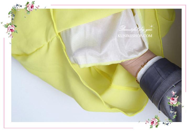 เสื้อ แขนกุด สวยเปรี้ยว ผ้าลื่นใส่สบาย รับกับหน้าร้อนเป็นอย่างดี ใส่คู่กับกระโปรง หรือกางเกงก็ดูดีคะ ขนาด : FREE SISE ( รอบอกไม่เกิน 36 นิ้วคะ) ผ้า : ผ้าชีฟอง มี 6 สี : สีขาว , สีดำ , สีชมอ่อน , สีฟ้า , สีกรมท่า ,สีเหลืองอ่อน * สีในรูป กับสีสินค้าจริง จะแตกต่างเล็กน้อยคะ *