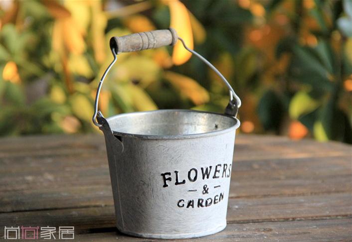 พร้อมส่ง ถ้งสังกะสี ปั้มลายนูน Flowers & Garden มีหูหิ้ว ทำสีเก่า Zakka
