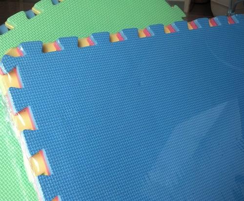 EVA แผ่นโฟมปูพื้น แผ่นรองคลาน สีพื้น (คละสี) ขนาด 56*56 CM (4 แผ่น) แบบไม่มีขอบ