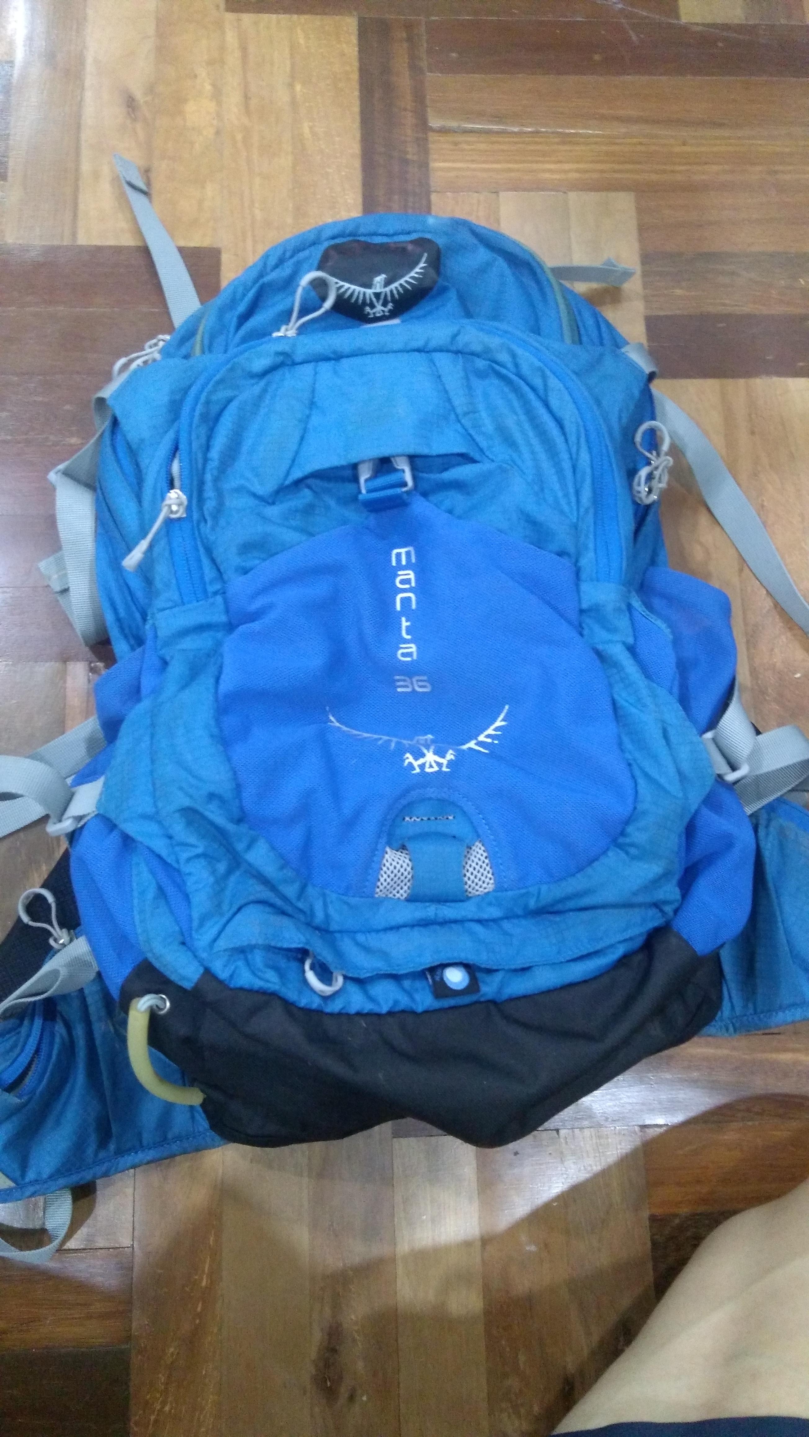 (สินค้ามือสอง)กระเป๋าเป้ backpack สำหรับขี่จักรยาน osprey manta 36 สีฟ้า sm