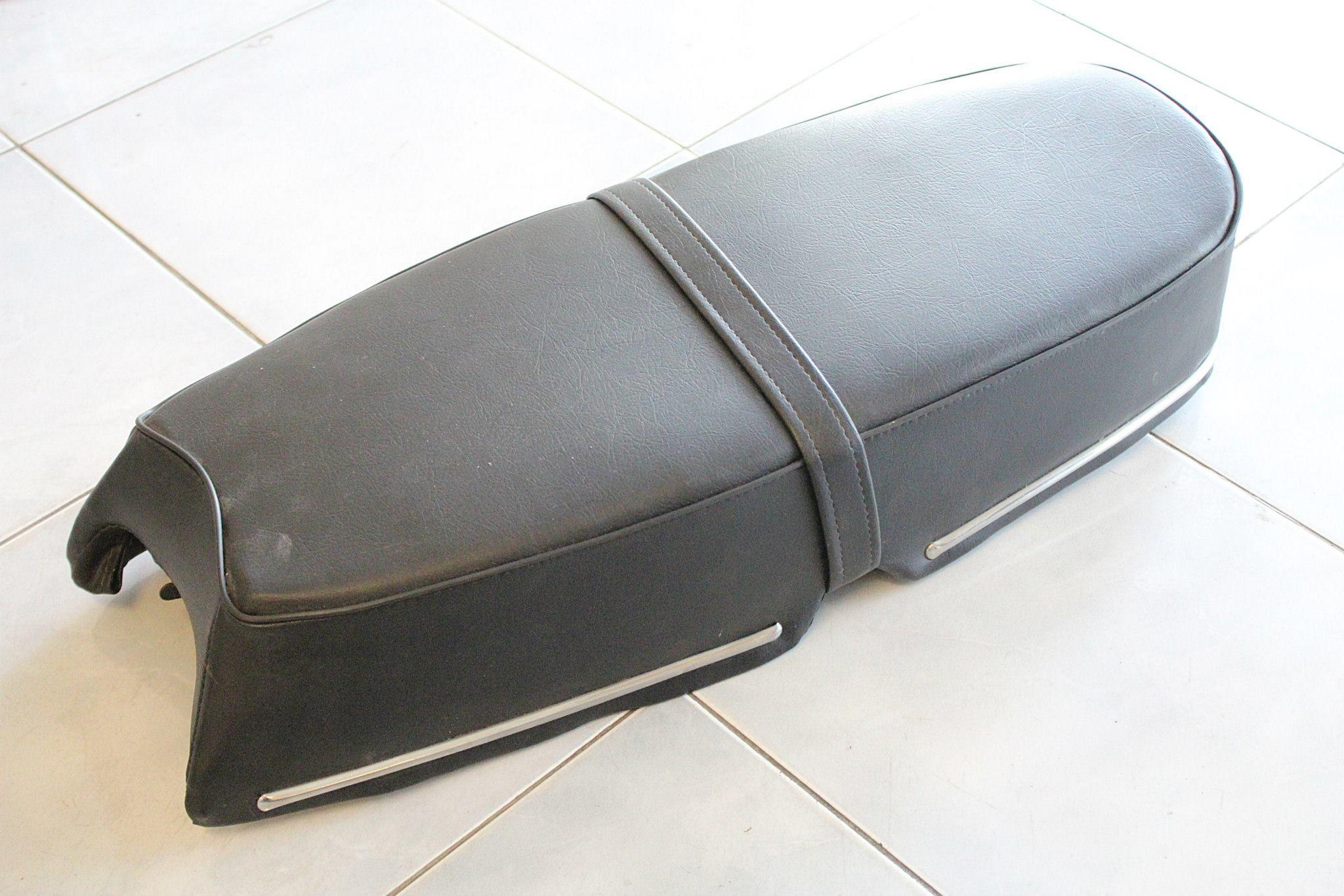เบาะยาว มีคิ้ว Suzuki A100 มาร์ค2