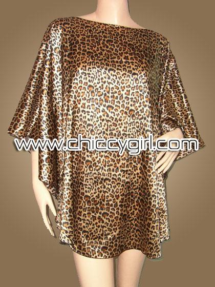 เสื้อแขนค้างคาวไปงาน ลายเสือดาว สีน้ำตาล สามารถพรางรูปร่างได้ดี ผ้าเงามันเนื้อดีใส่สบายมากๆ แบบเรียบหรู