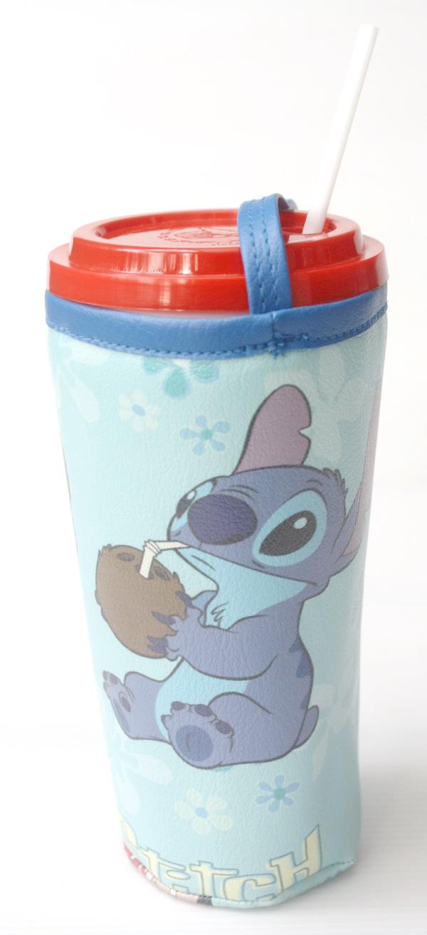 แก้วเก็บความเย็น สะดวกสบายด้วยหูหิ้ว ลาย Lilo & Stitch บนพื้นฟ้า เก็บความเย็นได้กว่า 5 ชั่วโมง