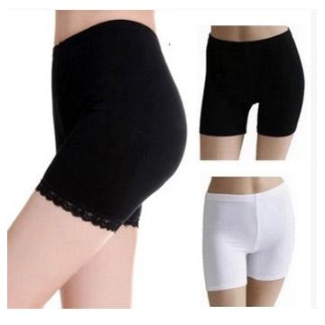 LG050 กางเกงขาสั้น กางเกงซับใน ขอบขาปรัดับด้วยผ้าลูกไม้ สวยหวาน มี 2 สี ขาว ดำ ขนาด รอบเอวไม่เกิน 28 นิ้ว
