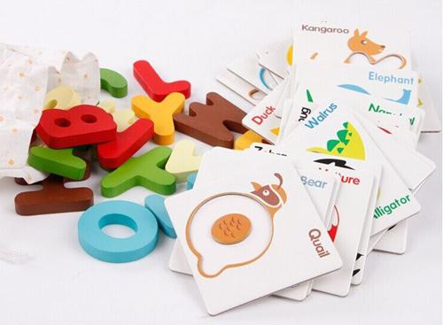 บัตรภาพ a-z เเฟลชการ์ด/จิ๊กซอร์ไม้สามมิติ A-Z พร้อมถุงผ้า เล่นเเบบจิ๊กซอว์หรือเเบบเฟลชการ์ด