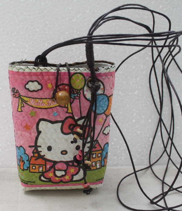 กระเป๋าใส่โทรศัพท์มือถือกระจูด แบบห้อยคอ ลาย Hello Kitty กับบอลลูน สุดน่ารัก