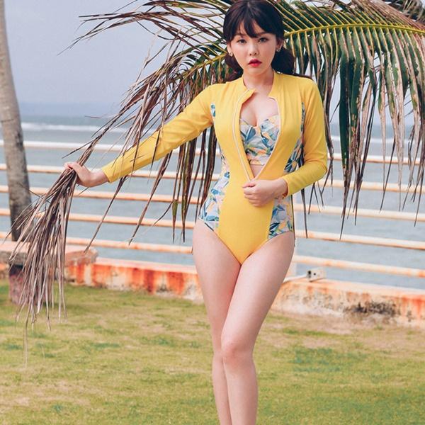 [พร้อมส่ง] ชุดว่ายน้ำแขนยาว วันพีช +บราลายสวย เซ็ต 2 ชิ้น
