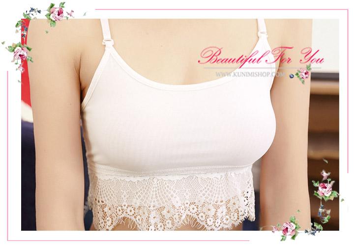 เสื้อกล้ามซับใน ครึ่งตัว มี 2 สี ขาว ดำ   ชายเสื้อประดับด้วยลูกไม้สวยหวาน   ด้านหลังแต่งลายฉลู สวยเซ็กซี่   จะใส่เดี่ยวๆ หรือ จะใส่ชุดกับเสื้อคลุมอีกตัวก็ดูดีคะ    ขนาด : FREE SIZE      มี 2 สี :  ขาว ดำ