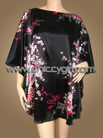 เสื้อแขนค้างคาวไปงาน ลายช่อดอกไม้ บนพื้นดำ สามารถพรางรูปร่างได้ดี ผ้าเงามันเนื้อดีใส่สบายมากๆ แบบเรียบหรู