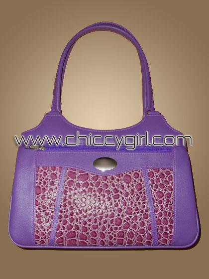 กระเป๋าหนังแต่งลายจระเข้ สีม่วง ช่องใส่ของเยอะสะใจ จุมาก แข็งแรงทนทาน งานเนี๊ยบมาก แบบดูดีทันสมัย น่าใช้มาก คุ้มสุดๆ