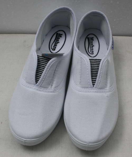 ชิ้นงานดิบ ผ้าใบ ทำ Decoupage งานเพนท์ รองเท้าผ้าใบแบบสวม มีแถบลายดำด้านหน้า