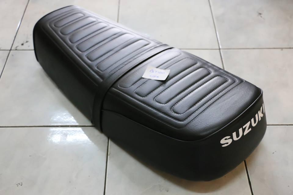 เบาะยาว Suzuki GT100 งานใหม่ พื้นเหล็ก ไม่แท้