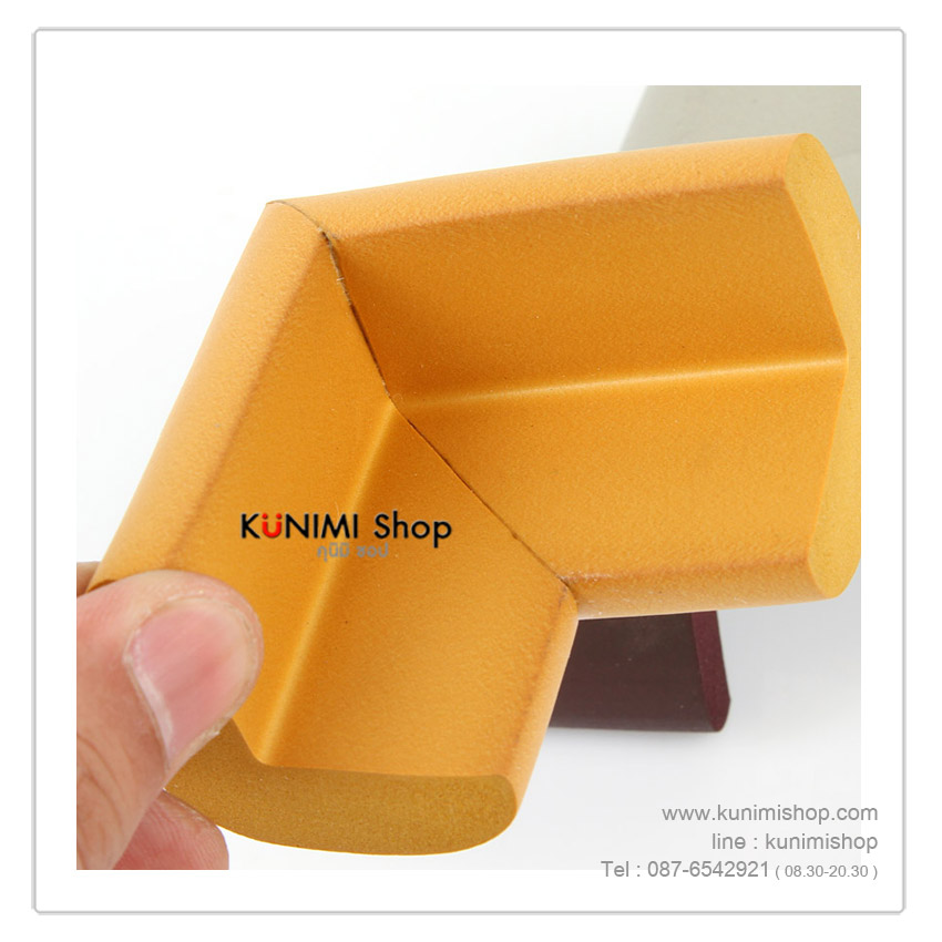 ที่กันมุมขอบโต๊ะ ขอบตู้ กันกระแทก ป้องกันอันตราย จากอุบัติเหตุที่คาดไม่ถึง จากการลื่นล้ม หรือ เดินชน ขนาด : ยาว 5.5 ซม. กว้าง 3 ซม. หนา 1.3 ซม. วัสดุ : ทำจากยาง NBR (นิ่ม ไม่แข็ง) 1แพ็ค มี 2 ชิ้น