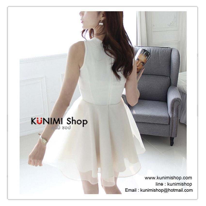 ชุดเดรสสั้น สีขาว ช่วงตัวเสื้อ ตัดแต่งด้วยผ้าลูกไม้   มีซับใน กระโปรงใช้ผ้าแก้ว มีซับในอย่างดีคะ   ซิบซ่อนด้านหลัง งานสวย คุณภาพ    สินค้าเหมือนแบบ 100 %   Size M :   ควายาวชุด 90 cm. //ความกว้างของไหล่ 30 cm.              ความยาวแขนเสื้อ  - cm.//รอบอกไม่เกิน 32 นิ้ว              รอบเอวไม่เกิน 28 นิ้ว // โพก Free Size   Size L  :   ควายาวชุด 87 cm.  // ความกว้างของไหล่ 34 cm.             ความยาวแขนเสื้อ  - cm. // รอบอกไม่เกิน 34 นิ้ว             รอบเอวไม่เกิน 29 นิ้ว (เอวยางยืด) // โพก Free Size      ผ้า    :ผ้าลูกไม้ , ผ้าแก้ว