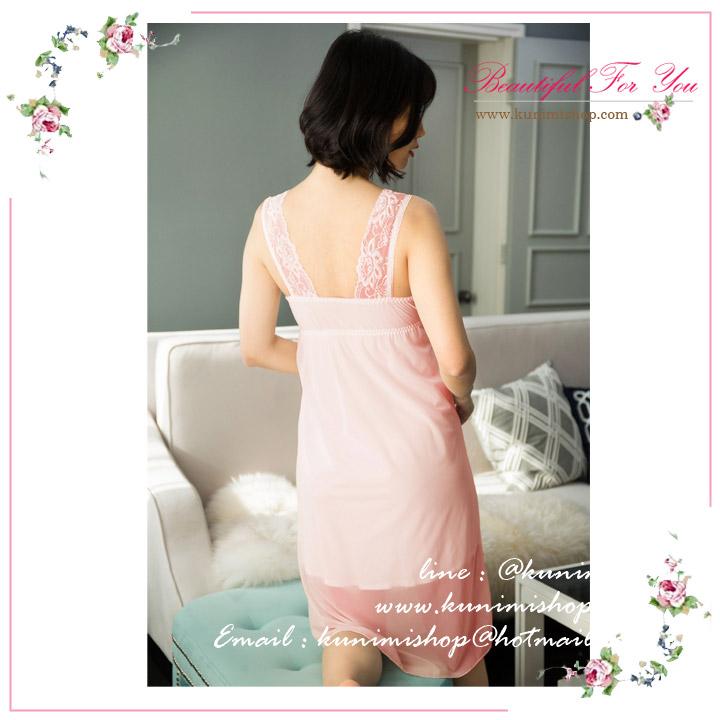 ชุดนอน กระโปรง แขนกุด คอวี ประดับด้วยผ้าลูกไม้ สวยหวาน เนื้อเบา ลื่น ใส่สบายคะ มี 2 สี : สีขาว สีชมพู ขนาดชุด Size M