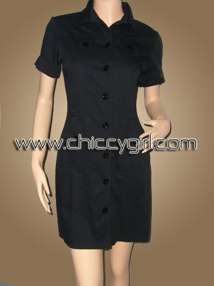 เสื้อคลุมตัวยาวแขนสั้นมีปกกระดุมหน้าสีดำ แต่งกระเป๋าที่หน้าอก มีกระเป๋าใหญ่ลึก 2 ข้าง ผ้าเกรดเอ