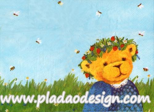 กระดาษสาพิมพ์ลาย rice paper สำหรับทำงาน hand made เดคูพาจ Decoupage แนวภาพ หมี เท็ดดี้ แบร์ Teddy Bear หมีสาวน้อยกับมงกุฎดอกไม้ บนพื้นหญ้า ท้องฟ้า และฝูงผึ้ง (ปลาดาว ดีไซน์)