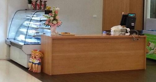 โต๊ะเคาน์เตอร์แคชเชียร์ไม้จริง สีบีช สำหรับร้านอาหาร ร้านเบเกอรี่