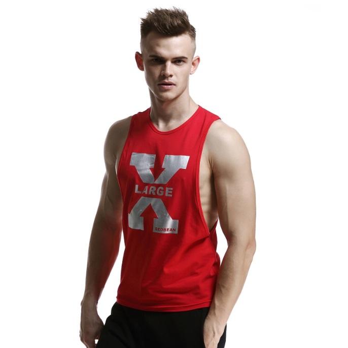 เสื้อกล้ามวงแขนกว้าง สีแดง X บรอนซ์