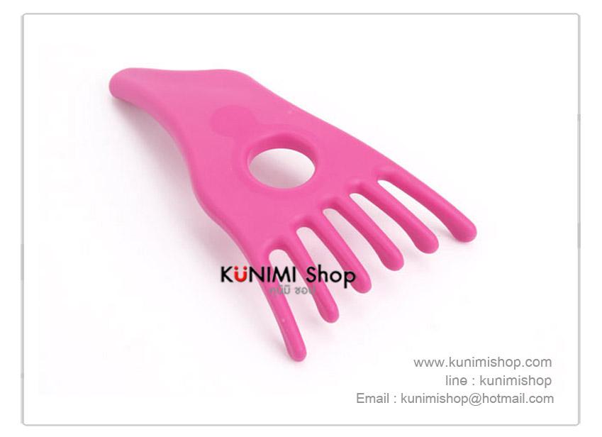 ที่นวดเกาหนังศีรษะ ช่วยให้ผ่อนคลาย ใช้ได้ทุกเวลา จะใช้นวดเอง หรือ นวดให้คนที่รักก็ได้ครับ ขนาดกระทัดรัด จับถนัดมือ สีชมพูสดใสน่าใช้ครับ