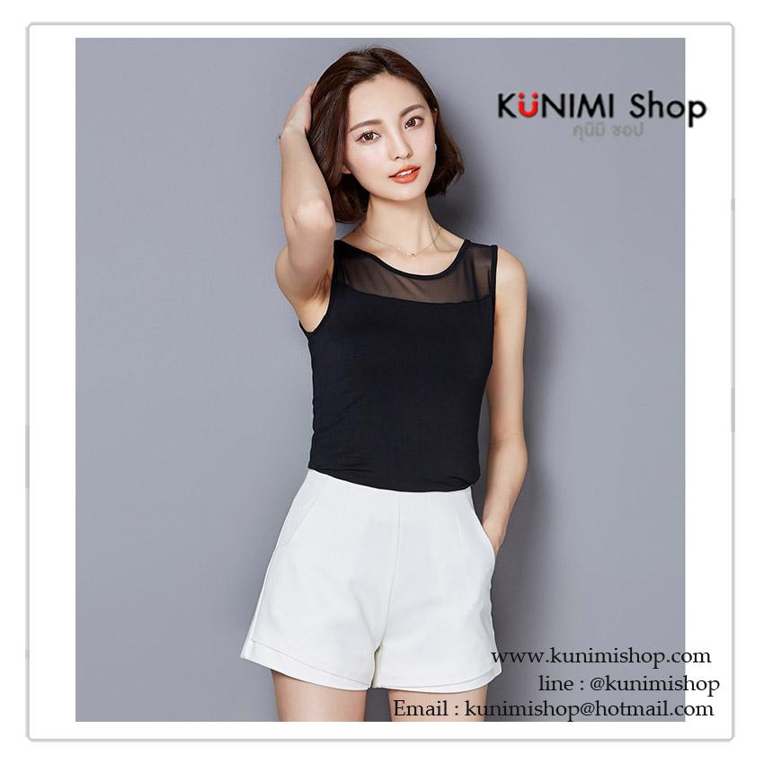 เสื้อกล้าม เสื้อซับใน มี 2 สี สีขาว สีดำ ช่วงไหล่ลงมาถึงหน้าอก ตัดแต่งด้วยผ้าซีทรู ทั้งด้านหน้าแลด้านหลัง ผ้ายืด ใส่สบาย รอบอกไม่เกิน 35 นิ้ว / เสื้อยาว 55 cm. มี 2 สี ขาว , ดำ