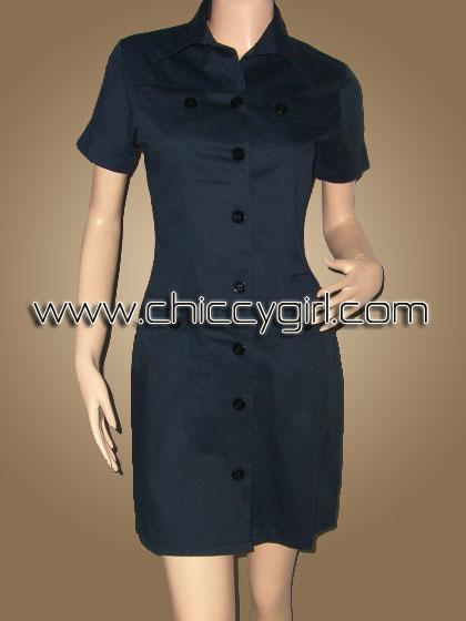 เสื้อคลุมตัวยาวแขนสั้นมีปกกระดุมหน้าสีกรมท่า แต่งกระเป๋าที่หน้าอก มีกระเป๋าใหญ่ลึก 2 ข้าง ผ้าเกรดเอ