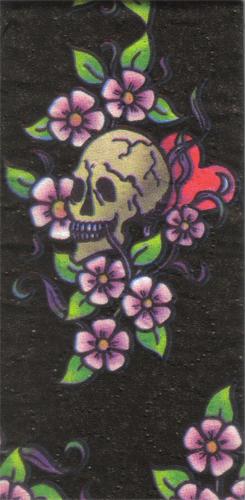 แนวภาพอาร์ต ภาพหัวกะโหลกใตดอกไม้ บนพื้นสีดำ เป็นภาพ 8 บล๊อค กระดาษแนพคินสำหรับทำงาน เดคูพาจ Decoupage Paper Napkins ขนาด 21X22cm