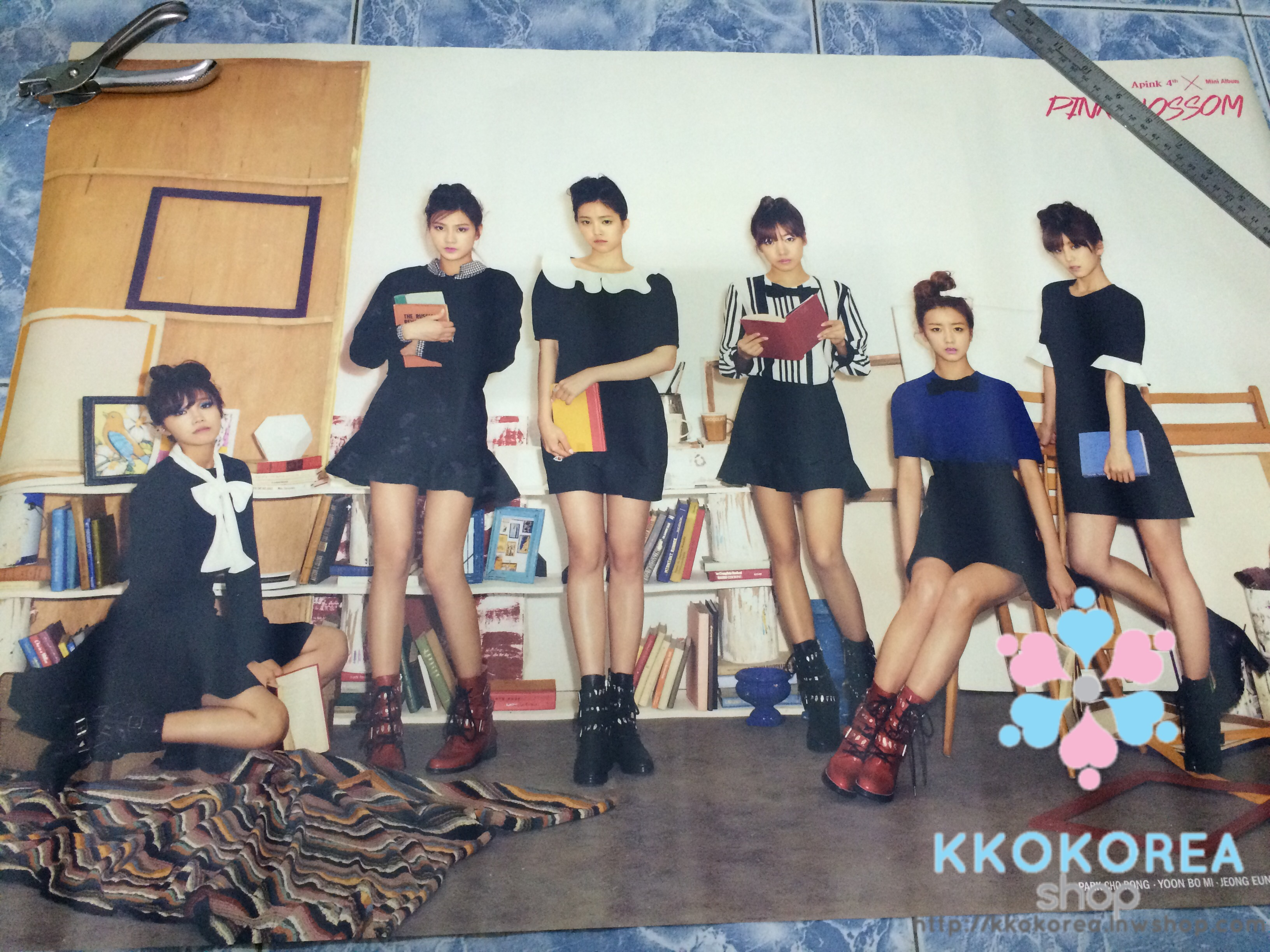 [Poster พร้อมส่ง 1 ใบ] Apink : 4th Mini Album - Pink Blossom