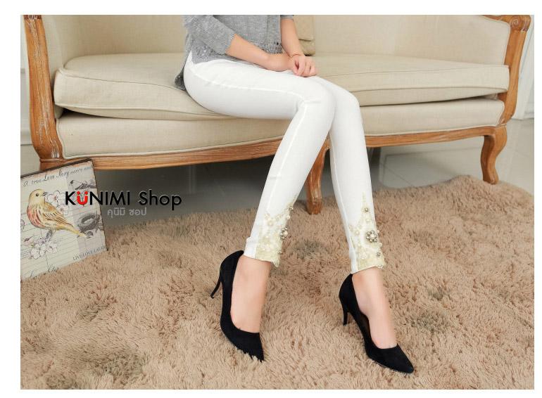 รหัสสินค้า LG013 กางเกงเลคกิ้งขายาว ปลายขาประดับด้วยผ้าลูกไม้พร้อมมุข สวยหวาน ดูดีมากคะ เอวยางยืด ผ้านิ่ม ใส่สบาย ใส่ได้ทุกโอกาสคะ ผ้า : ผ้าฝ้ายผสม มี 2 สี : ขาว ดำ ขนาด : FREE SIZE