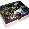 กล่องไม้สนมีล๊อค ลายสวนสวยเพราะเราช่่วยกันดูแล ^^ ตัวกล่องทำเป็นสีชมพูพาสเทล หวานๆ น่ารักที่ซู๊ดดดดด ^^