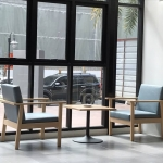 เก้าอี้อาร์มแชร์ เบาะเทา ดีไซน์สวย คุณภาพส่งออก สำหรับร้านกาแฟ คอนโด