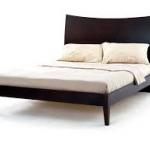 เตียงนอนไม้ หัวเตียงสูง มีดีไซน์ สไตล์โมเดิร์น สีโอ๊ค