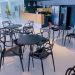 เก้าอี้ดีไซน์ลายเส้น สีดำ เหมาะสำหรับแต่งร้านกาแฟ คาเฟ่ (LINE-DESIGN)