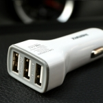 Remax แท้100% Car Charger 3.6A USB 3 Port สีขาว
