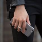 IRing ที่ตั้งมือถือ แท็ปเล็ต แบบวงแหวนสำหรับติดฝาหลัง สีชมพูพาสเทล