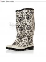 รองเท้าบูท LOSTLANDS รองเท้าบูทกันน้ำแฟชั่น สำหรับหน้าฝน พื้นขาวลายกราฟฟิค สูง 38.50 ซม. (ตัวแทน 800บาท)