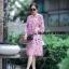 เดรสลายดอกสีชมพู ดาราใส่เยอะมากค่ะ ออกแนวมินิมอล เดรสตัวใหญ่ ใส่สบายๆ ใส่คลุมท้องได้ยันคลอดเลยค่ะ งานสวยมาก ทำจากผ้าชีฟองสีชมพู มีซับใน สกรีนลายดอกกุหลาบ ใส่น่ารักๆแบบคุณณิชา คุณเต้ยค่ะ thumbnail 1