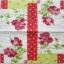 แนวภาพดอกไม้ ดอกกุหลาบสีแดงสด บนพื้นลายสีจุด ภาพโทนผ้าลายสีลายจุดต่อ เป็นภาพ 4 บล๊อค กระดาษแนพกิ้นสำหรับทำงาน เดคูพาจ Decoupage Paper Napkins ขนาด 33X33cm thumbnail 2