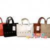 ## เหลือแต่สีน้ำตาลค่ะ ## MANGO Shopping Bag กระเป๋าช็อปปิ้ง Mango Shopping Bag มี 5 สี สีขาว สีเบจ สีน้ำตาล สีดำ สีแดง