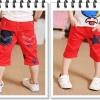 กางเกงสามส่วนเด็ก สีแดง  ด้านหน้าด้านหลัง ตกแต่งด้วยรูปดาว  เก๋ๆเทห์ๆ สไตล์ เกาหลี
