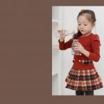 ชุดเดรสแฟชั่นเด็ก เสื้อสีแดง กระโปรงลายสก็อต ดีไซน์เก๋ น่ารัก ผ้าเนื้อนุ่ม ใส่สบาย สไตล์เกาหลี