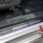 สครัฟเพลทแบบมีไฟ New Pajero sport