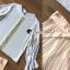 เสื้อผ้าเกาหลี พร้อมส่ง เสื้อทรงปล่อย จับจีบแขนพอง thumbnail 4
