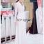 เสื้อผ้าเกาหลี พร้อมส่ง โค้ทยาว ผ้าเครปสีขาวตกแต่งลูกไม้ thumbnail 3