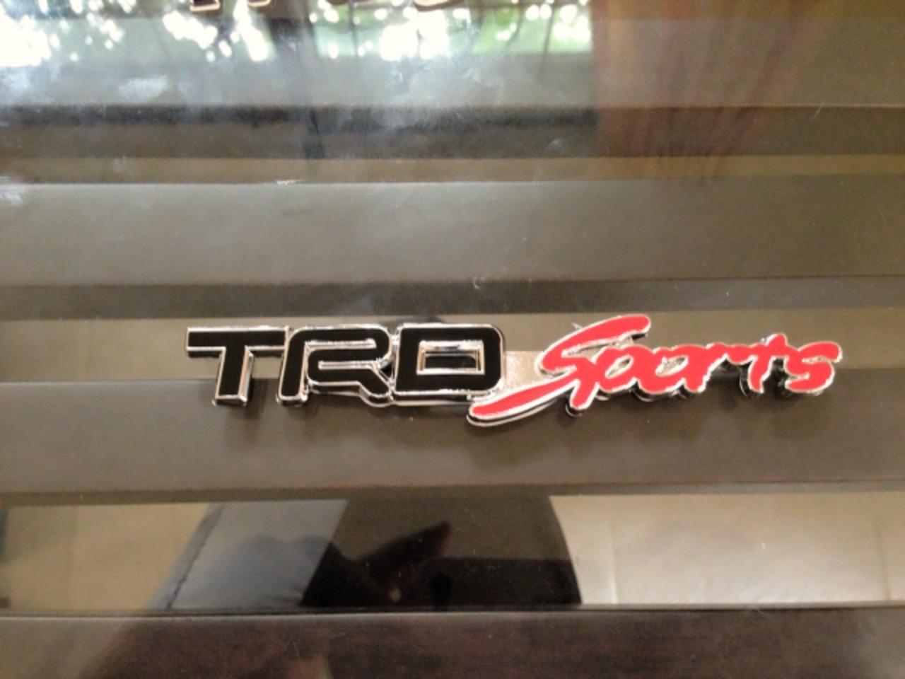 Logo TRD Sports ดำ งานโลหะชุป