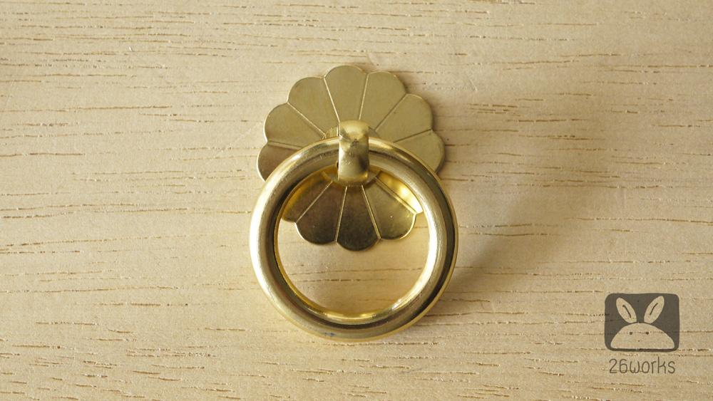 ห่วงลิ้นชัก แป้นดอกไม้ 35 mm สีทอง